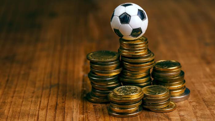 Официальные букмекерские конторы России - легальные места, позволяющие совершать ставки на спорт и другие события на % безопасно и с гарантией выплаты выигрыша.